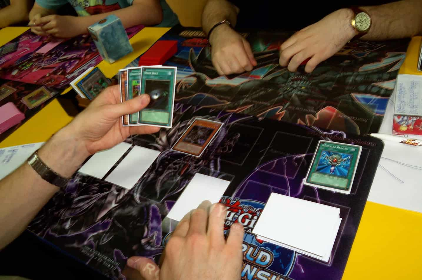 can you use damaged yugioh cards in a tournament