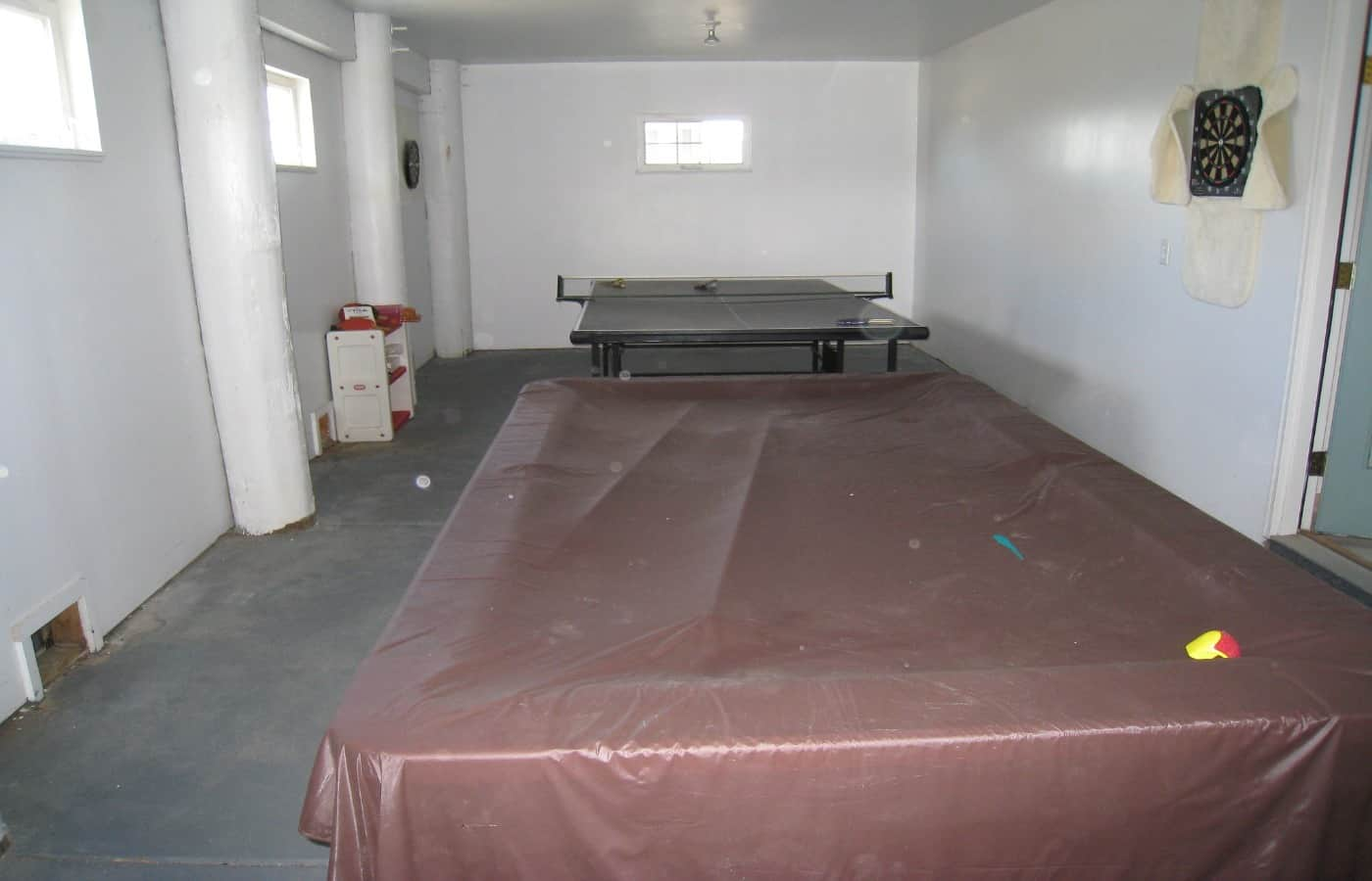 can you keep a pool table in your garage