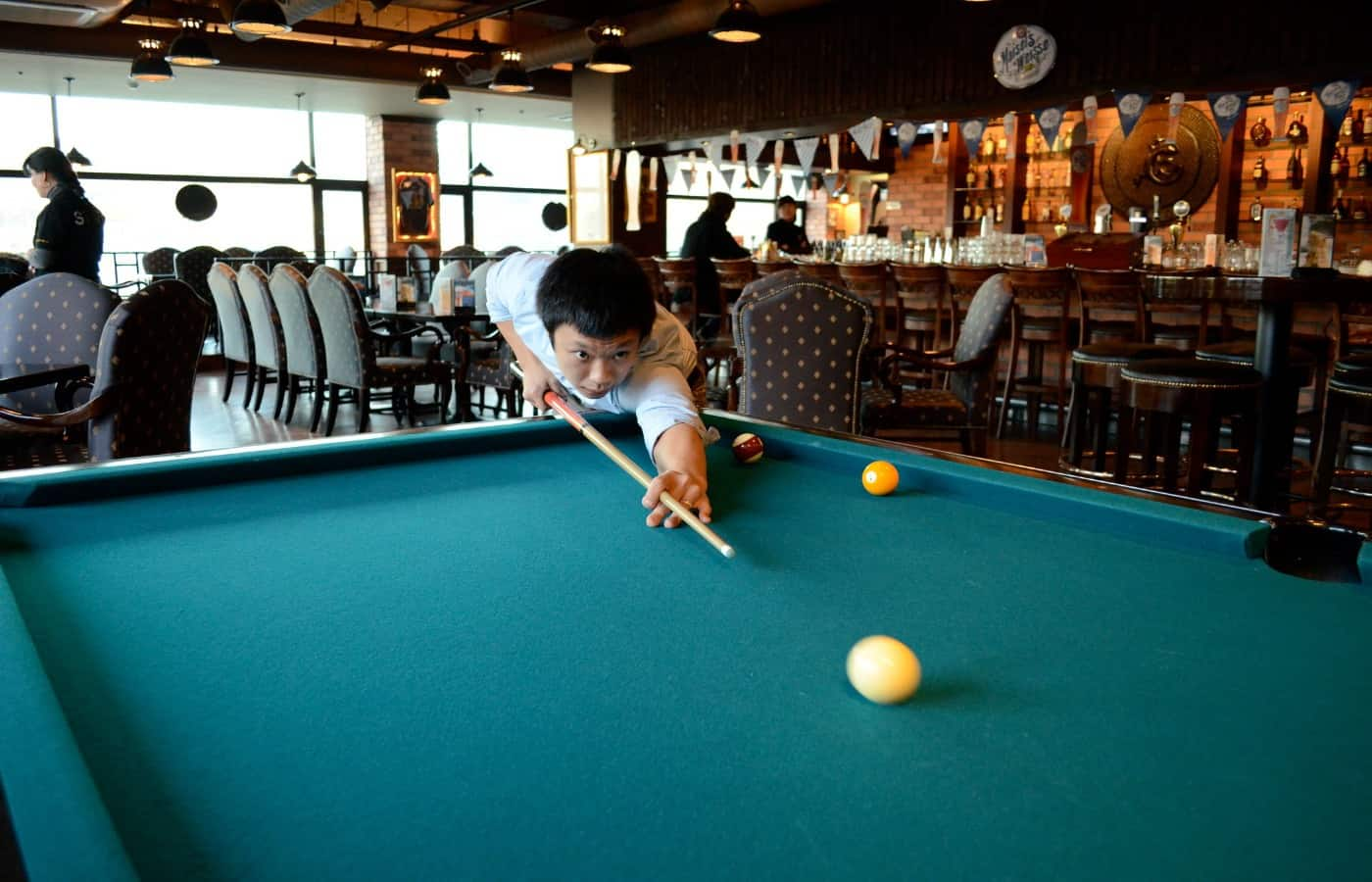 can playing pool cause shoulder pain