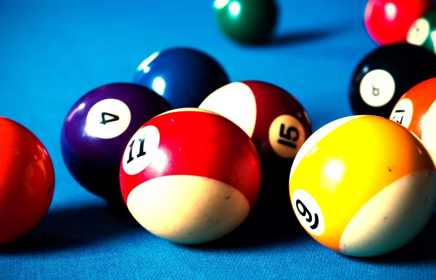 can you leave pool balls on the table