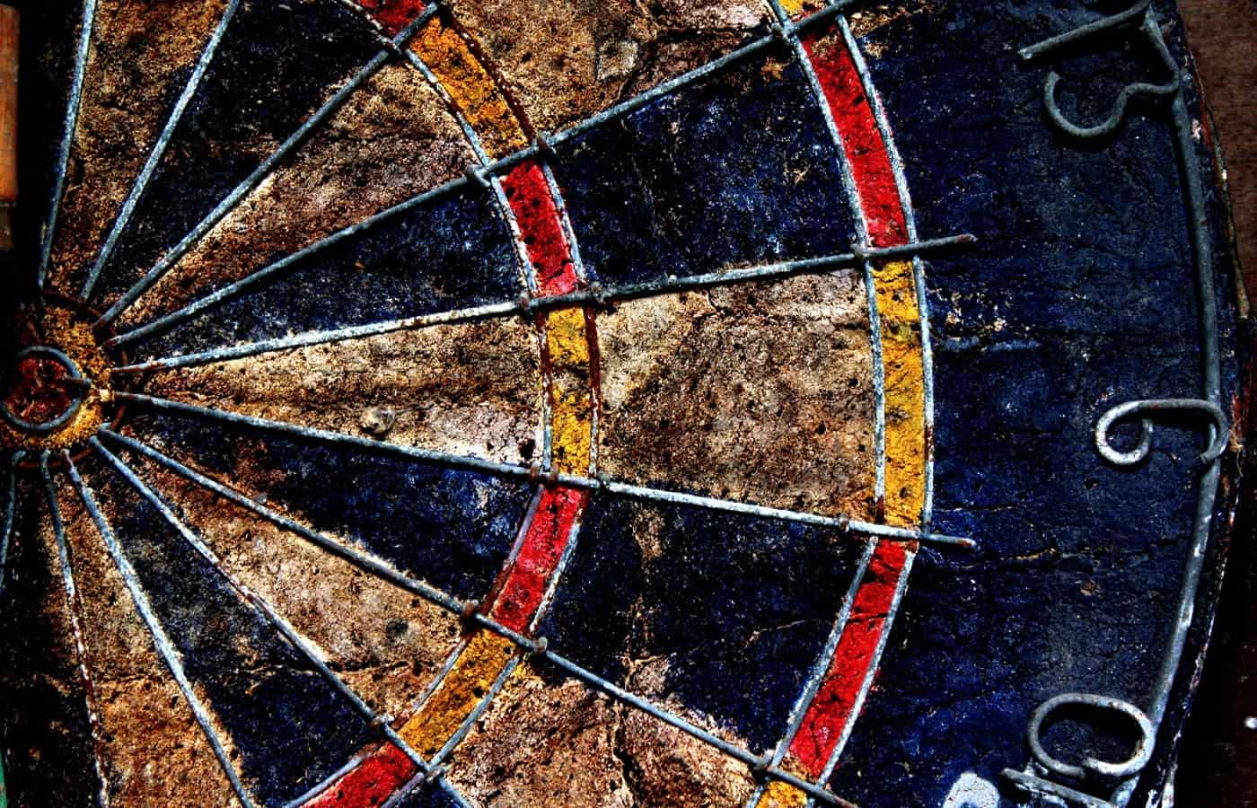 can you paint a dartboard