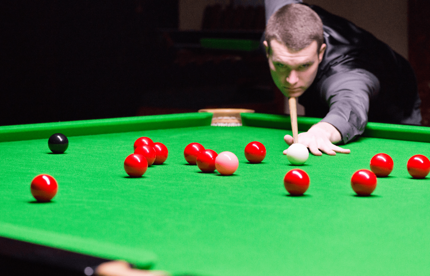 why do snooker players apologize for flukes