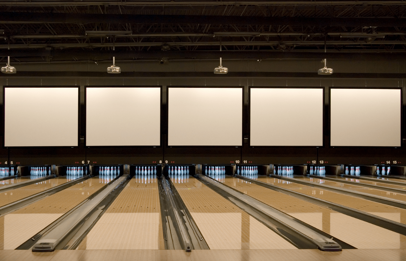 how often should bowling lanes be oiled