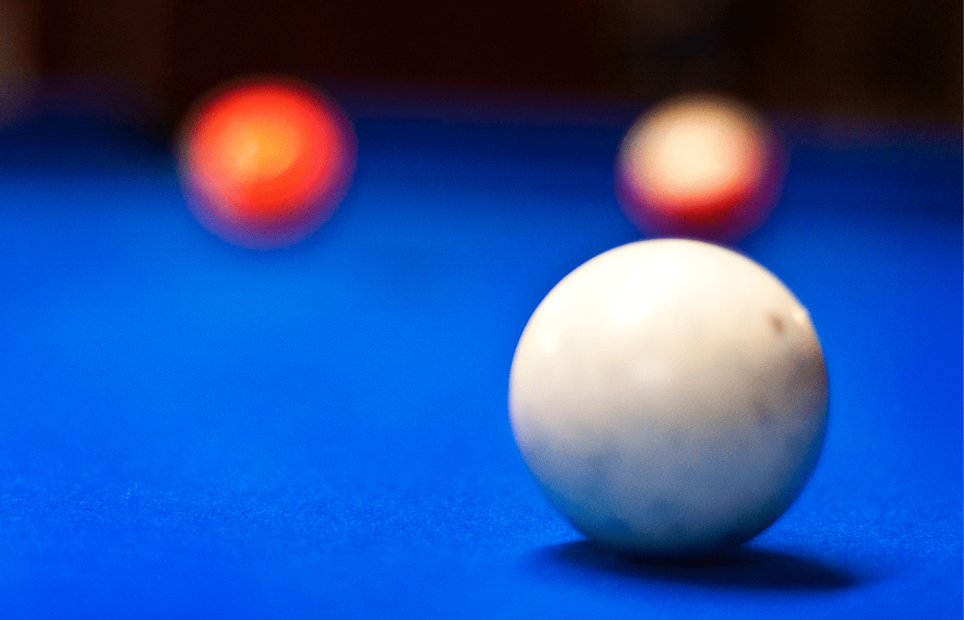 how to get chalk marks off a cue ball