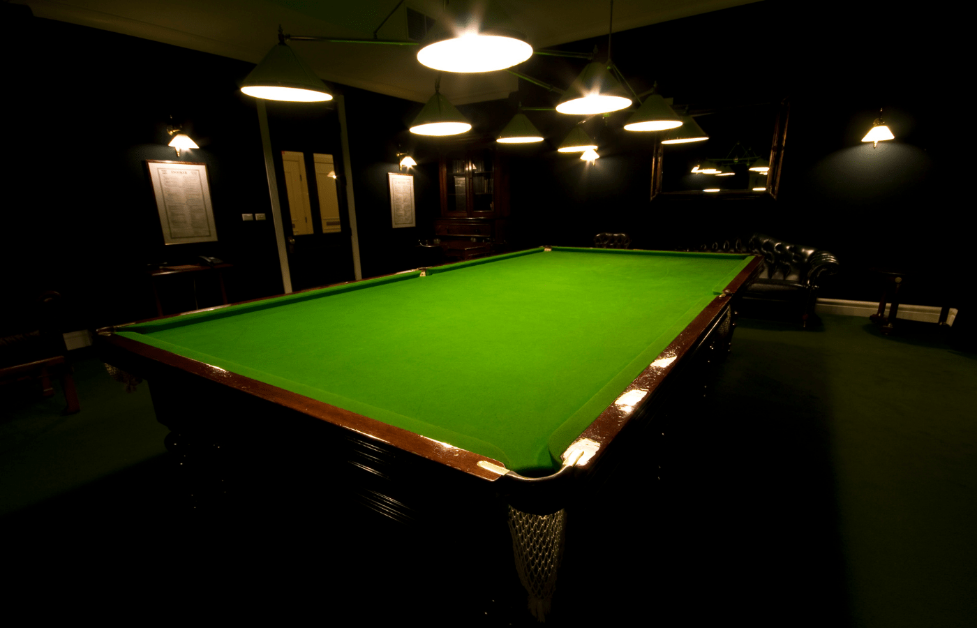 why are world championship snooker tables heated