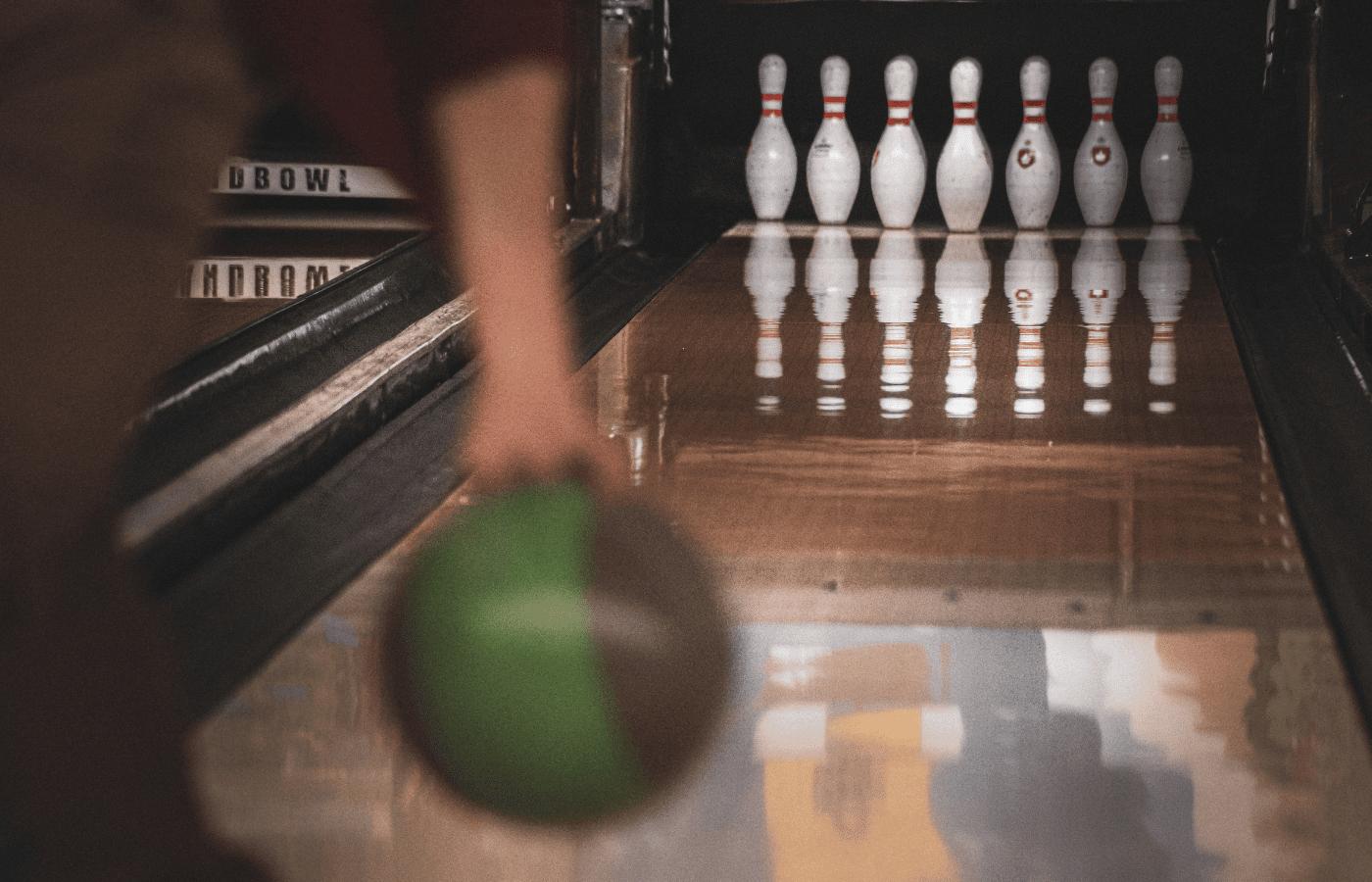 do bowling balls absorb oil