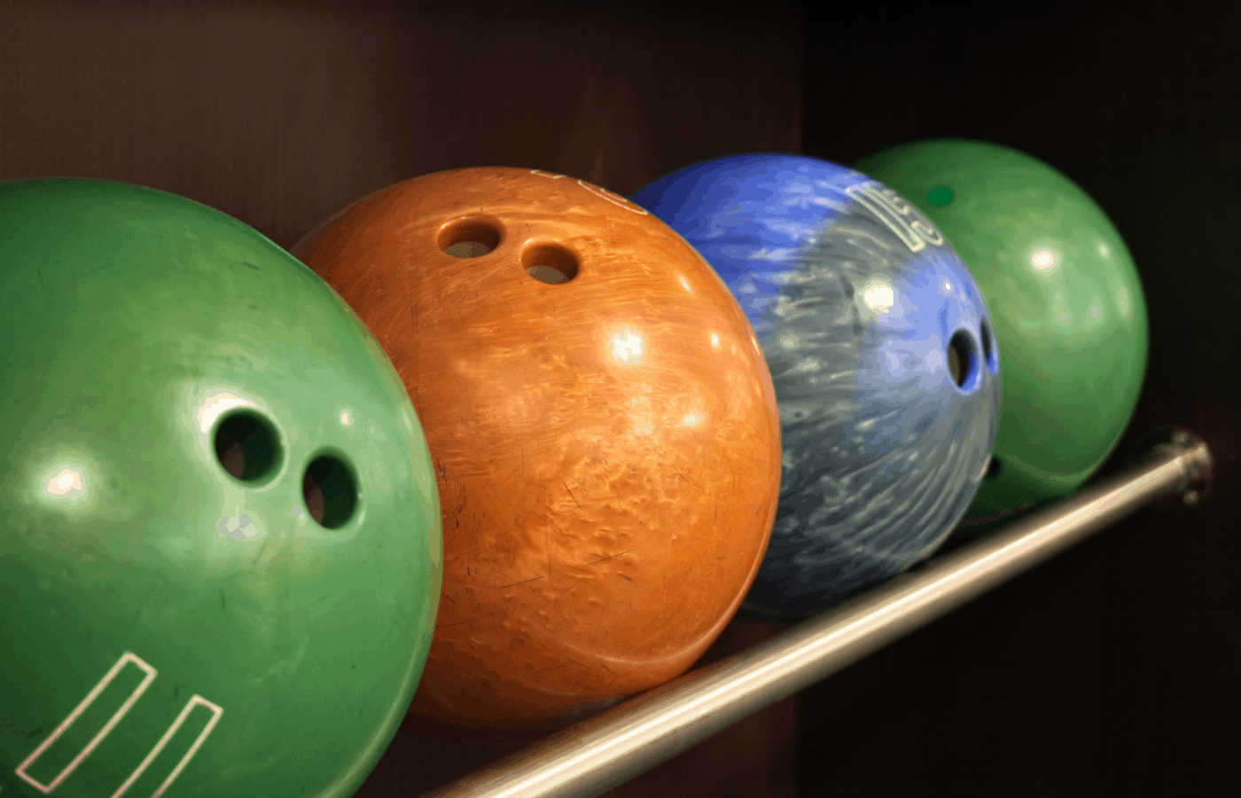 are bowling balls magnetic