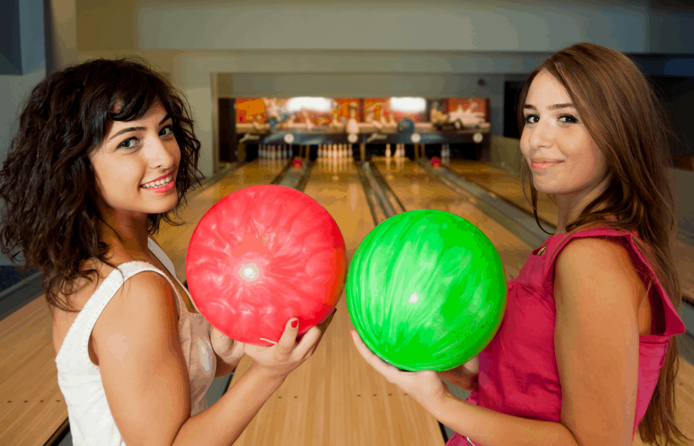 can you bowl with short acrylic nails