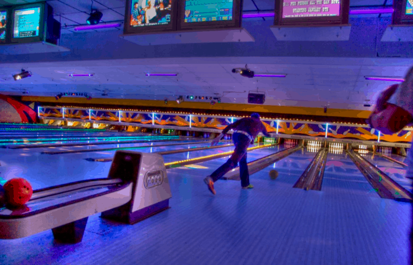 best colors to wear cosmic bowling