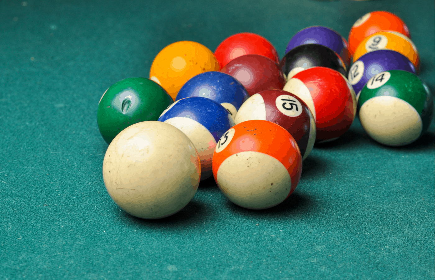 can you use bleach to clean pool balls
