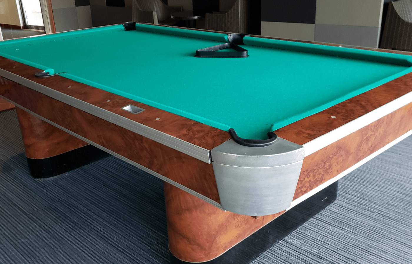 can you use candle wax on a pool table