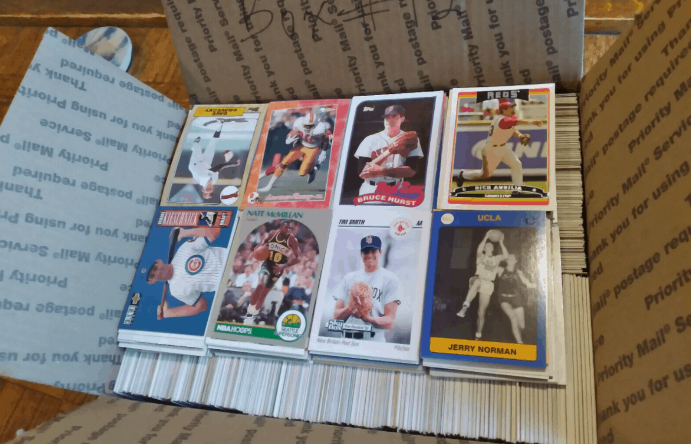 do all rookie cards say rookie