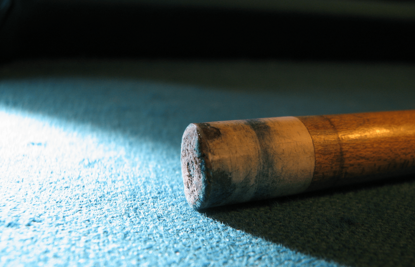 how to remove chalk marks from pool cue