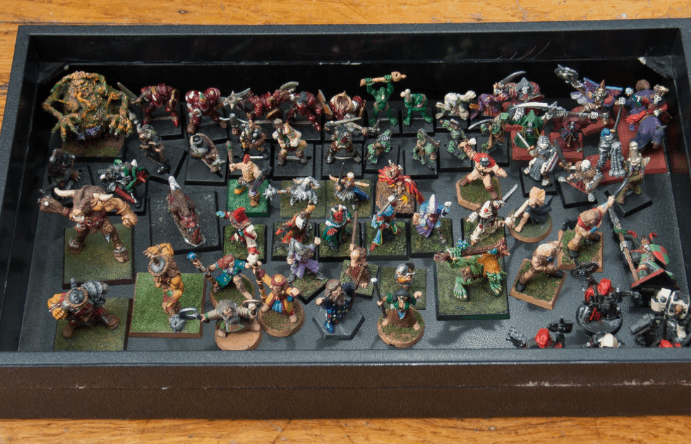how to store warhammer miniatures