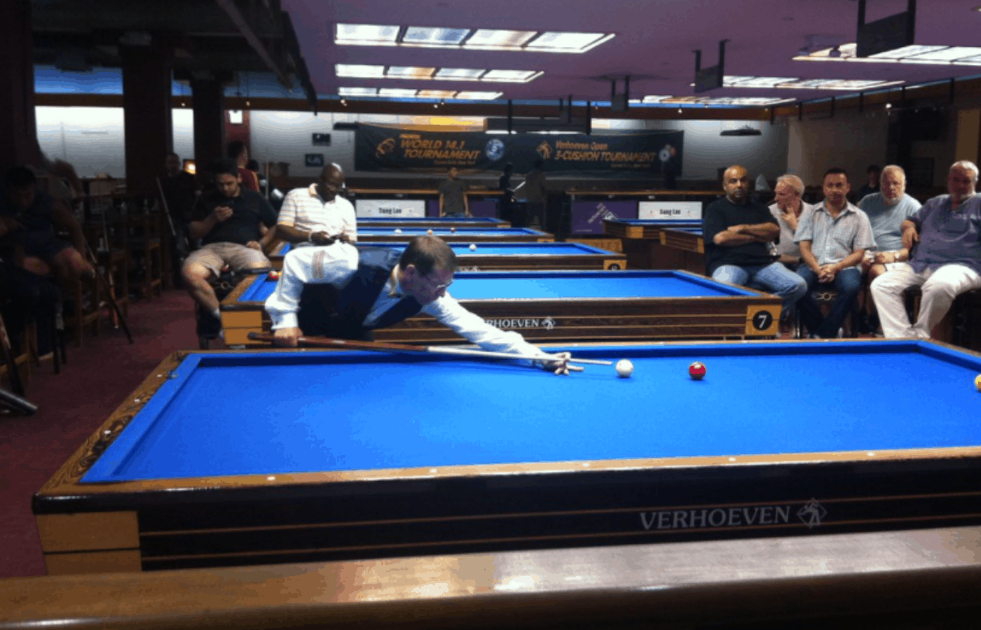 why do some pool tables have no pockets